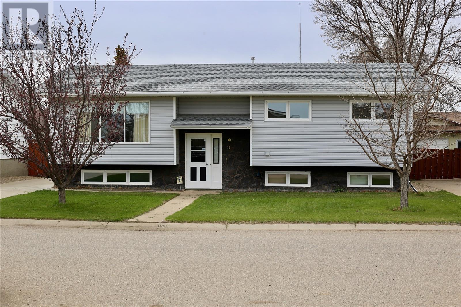18 Morin Cres, Gravelbourg, Saskatchewan  S0H 1X0 - Photo 1 - SK796655
