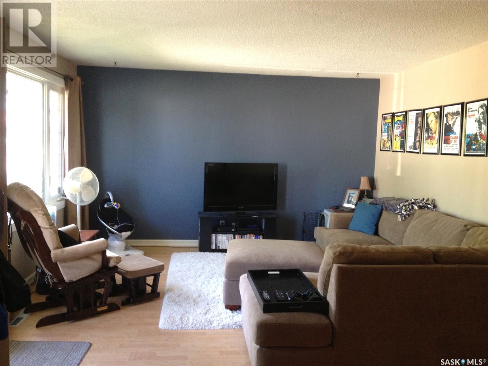 2210 3rd Ave E, Prince Albert, Saskatchewan  S6V 2G2 - Photo 2 - SK798881