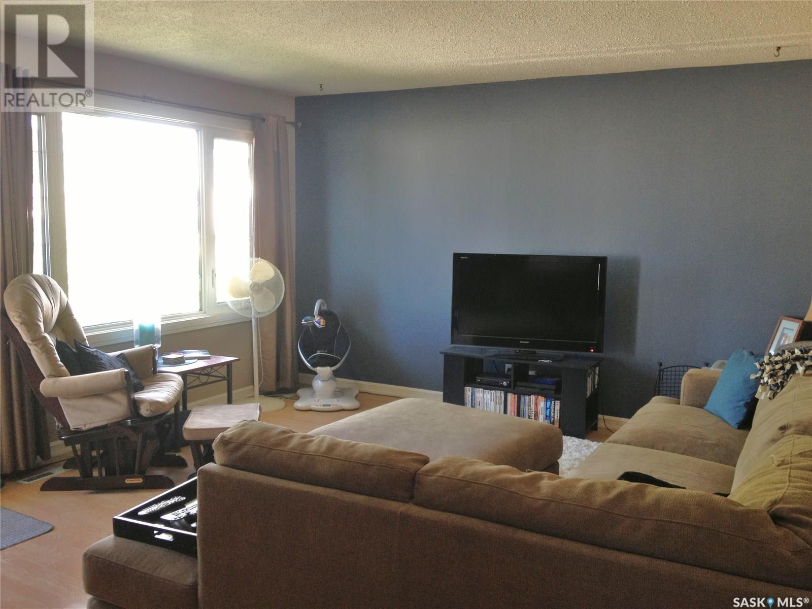 2210 3rd Ave E, Prince Albert, Saskatchewan  S6V 2G2 - Photo 3 - SK798881
