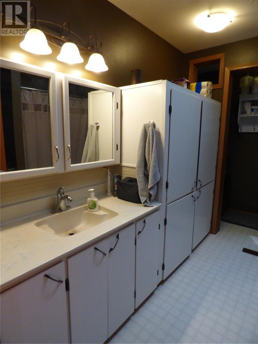 517 St Mary St, Esterhazy, Saskatchewan  S0A 0X0 - Photo 23 - SK805071