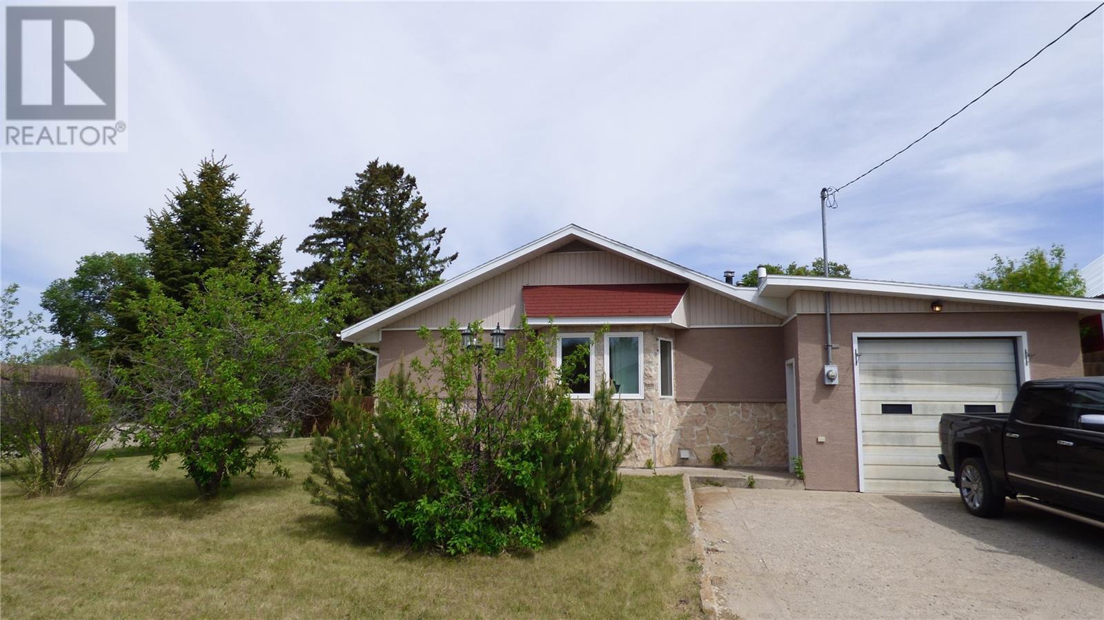 517 St Mary St, Esterhazy, Saskatchewan  S0A 0X0 - Photo 40 - SK805071