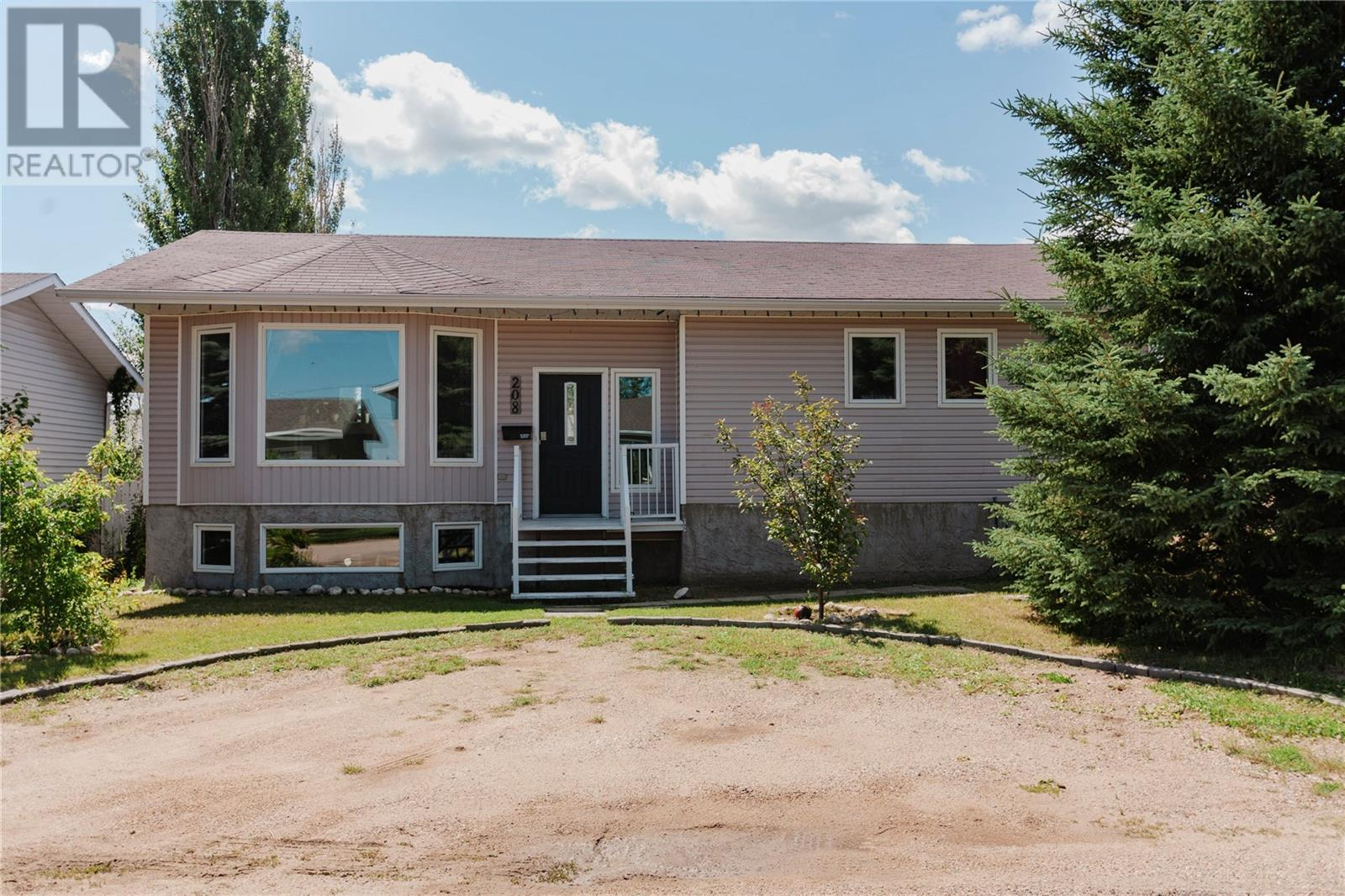 208 4th ST, dundurn, Saskatchewan