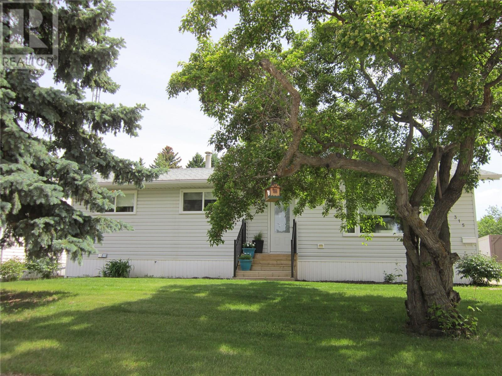315 Scotia DR, melfort, Saskatchewan