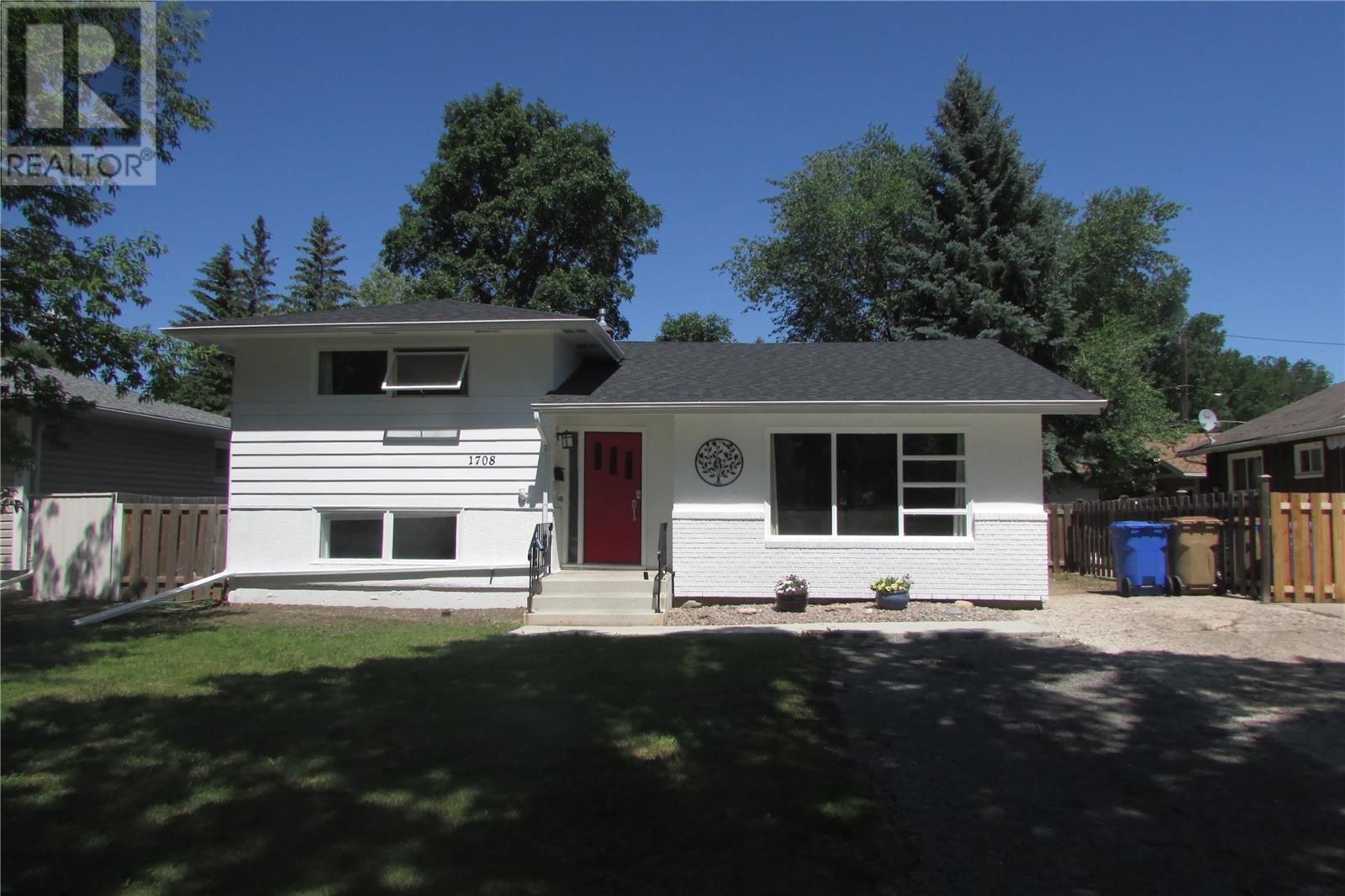 1708 Grant Dr, Regina, Saskatchewan  S4S 4V2 - Photo 2 - SK815199