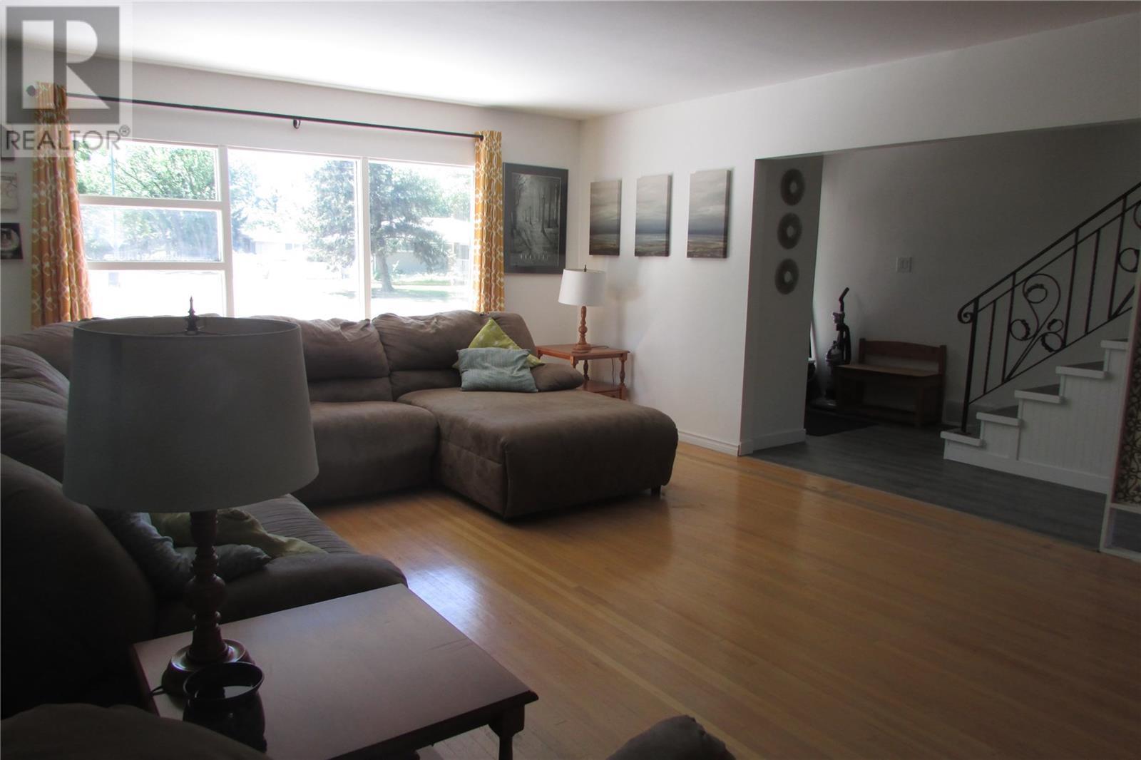 1708 Grant Dr, Regina, Saskatchewan  S4S 4V2 - Photo 5 - SK815199