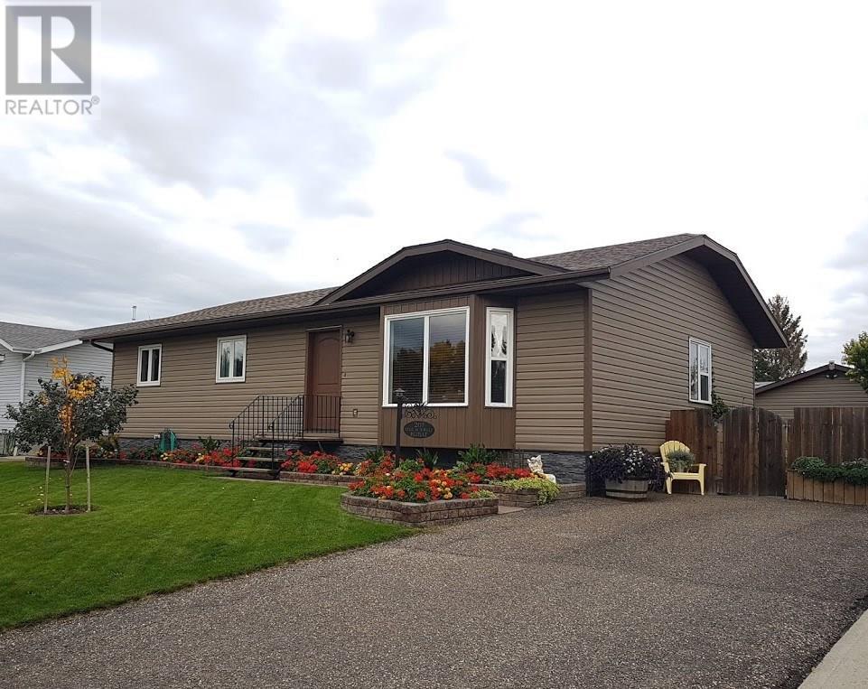 207 Maple ST, outlook, Saskatchewan