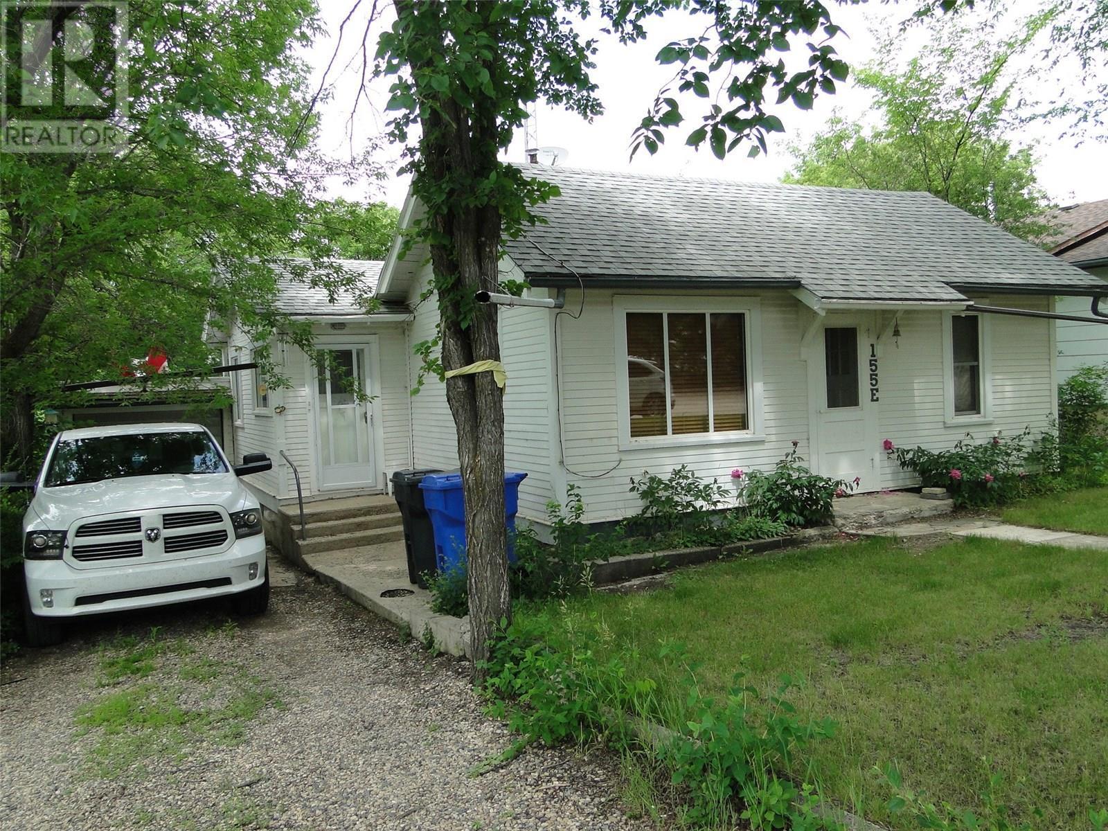 155 Park St, Kamsack, Saskatchewan  S0A 1S0 - Photo 2 - SK815362